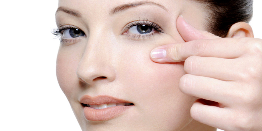 Как убрать морщины вокруг глаз в домашних условиях
