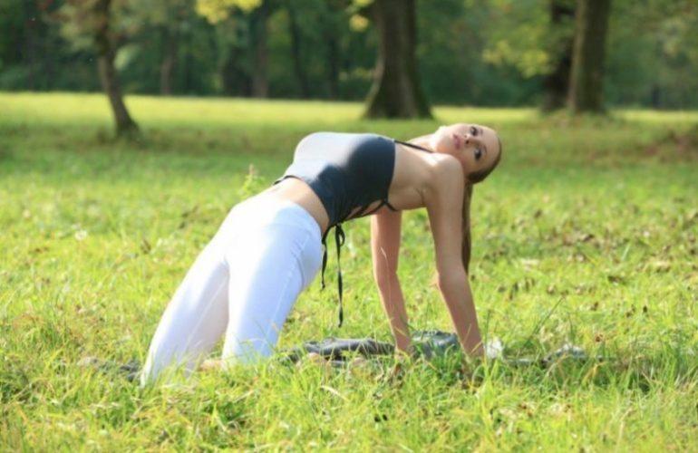 Йога для увеличения груди