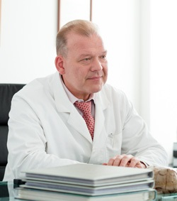 Маммопластика хирург Тепляшин